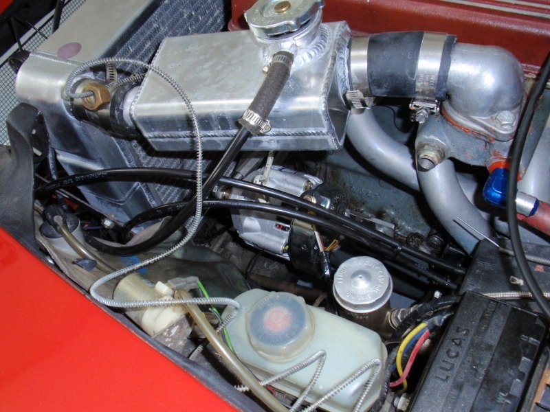 picture of Elan alternator installed